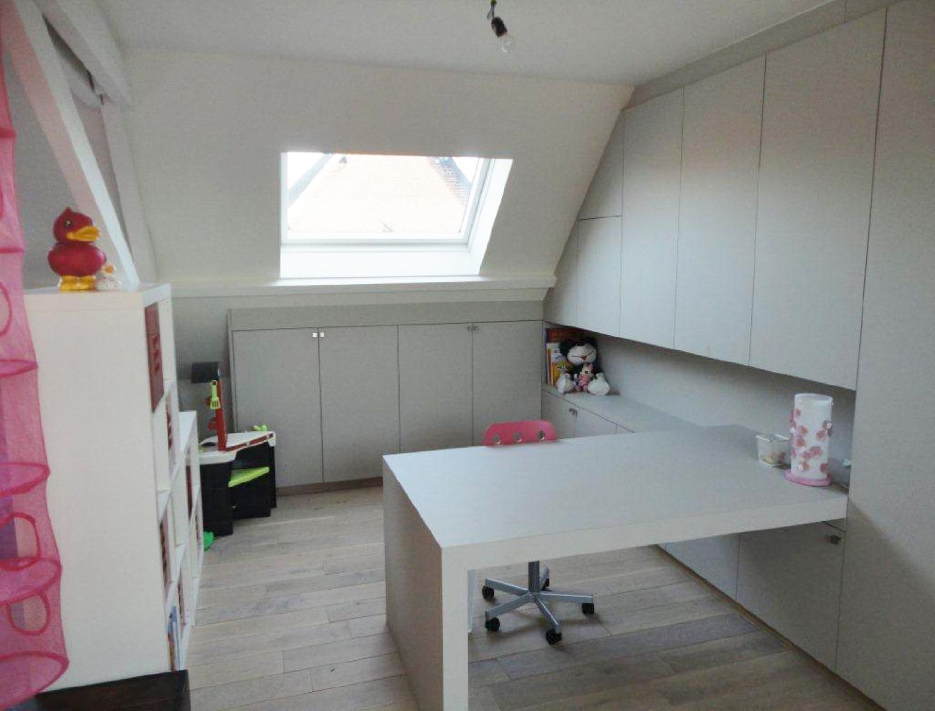 Zolderrenovaties-West Vlaanderen-Maatmeubilair-Bureel
