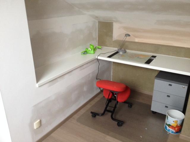 Zolderrenovaties-West Vlaanderen-Hooglede-Maatmeubilair-Bureel